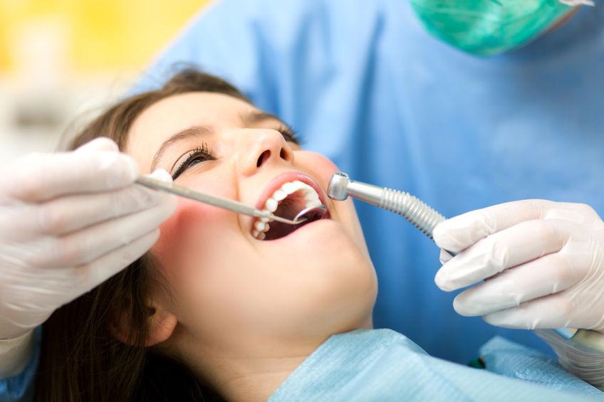 Evaluación y limpieza dental en Panama