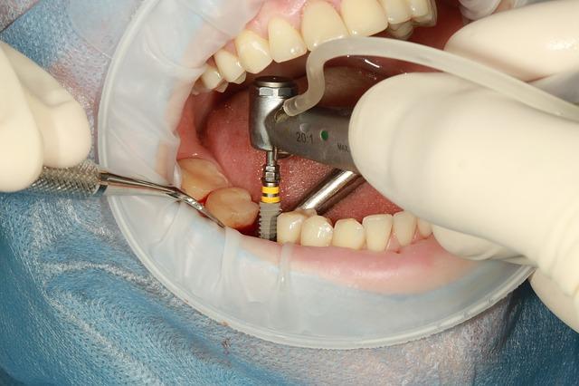 Clinicas dentales abiertas en Panama